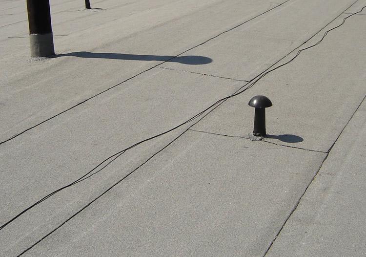 Wykomujemy dachy papowe. Do realizacji każdego zlecenia wykorzystujemy materiały budowlane najwyższej jakości.